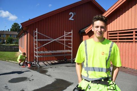 SOMMERJOBB: Bård Øyvind Almåsbakk (18) jobber tre uker hos teknisk enhet i Levanger kommune.