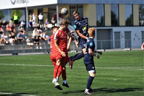 HATTRICK: Adrian Rogulj tok godt vare på muligheten på topp mot Kolstad. Spissen scoret tre av fem mål for LFK.