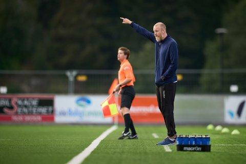 ETTERLYSER STØRRE STØTTE: Per Verner Rønning mener Levanger FK ikke får ut potensialet som bor i byen, og at det burde vært fullt hus på toppkampen mot Egersund søndag ettermiddag.