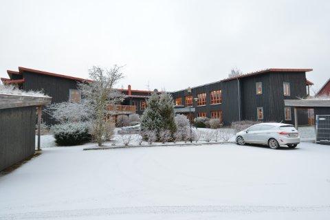 SMITTERAMMET: For to uker uker siden inntok koronasmitten Næss omsorgsboliger på Straumen i Inderøy. Nå er tilsammen ni ansatte smittet.