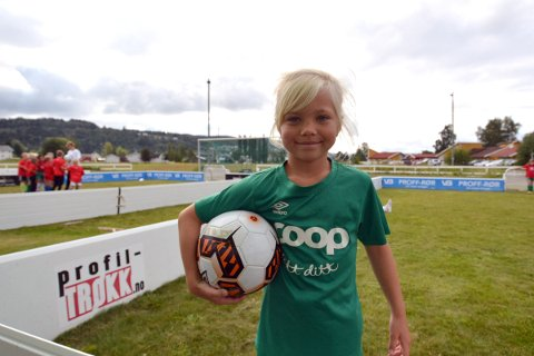 Navn: Maren Hembre Berg Alder: 6 år Skole: Røra skole
