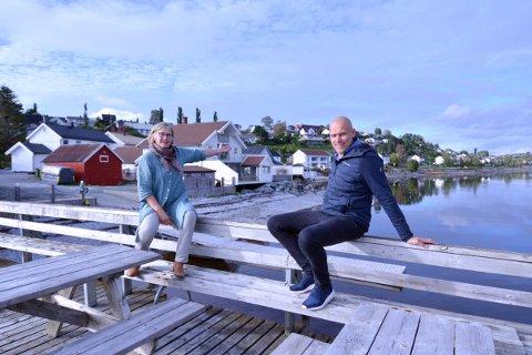 SAMLER RØRA: Margareth Halle og Terje Sjøvold går i bresjen for å samle lag, foreninger og næringsliv i Røra under paraplyen Røra Aktiv.