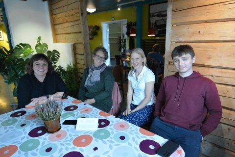 UNGILAG: Hilde Woxen, Ingrid Stai Skjesol, Maria Aune og Kaspar Stai Skjesol legger spennende planer for ungdommen i Inderøy både for høstferien og videre utover høsten og vinteren.