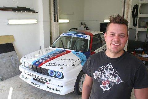 Kan smile: Hans Jøran Østreng vant første runde i rallycross-NM.