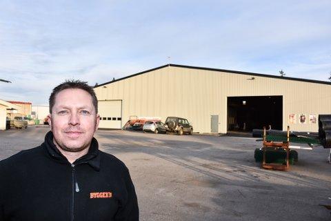 NYÅPNING: 2. januar åpner Hemnes Bygg AS sitt byggevareutsalg på gamle Hemnes sag. Daglig leder og innehaver Ole Ivar Berg.