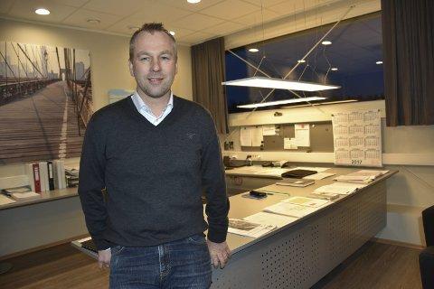 På kontoret: Bakkekonsernets hovedkontor ligger i Aurskog.Foto: Bjørn Ivar Bergerud