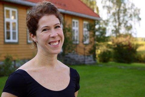 DRØM: Elizabeth Svarstad fra Blaker driver ikke bare egen ballettskole på Skansen, men er også danser, koreograf og pedagog i barokkdans. Nå arbeider hun med doktorgraden.