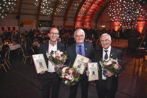 ÆRESMEDLEMMER: Morten Bredesen (t.v.), Svein Samuelsen og Thomas Aslaksen ble hedret for sin store innsats for SIF.