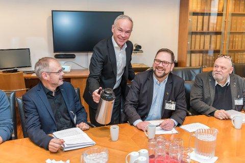 Har tatt valget: Statsråd Jan Tore Sanner har bestemt at den nye kommunen skal hete Aurskog-Høland.
