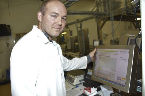 Gründer: Sigurd Aas fra Aurskog har utviklet systemet Progress, her i bruk hos Foodman AS.Foto: Bjørn Ivar Bergerud