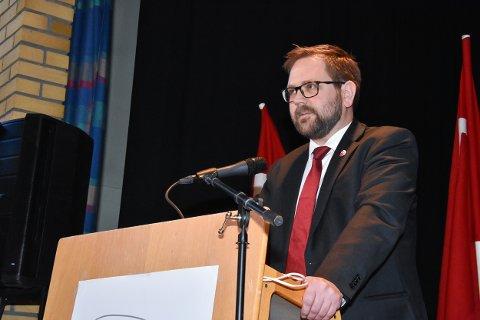 Ordfører Roger Evjen i Aurskog-Høland kom i sin 1. mai-appell med et lite apropos i kjølvannet av varaordfører Geir Olsens omstridte Facebook-deling.