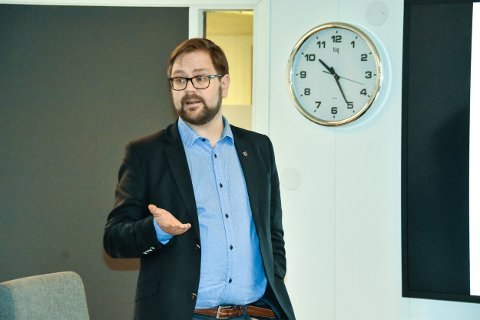 Roger Evjen trives som ordfører, og vil gjerne fortsette. Foto: Øivind Henningsen