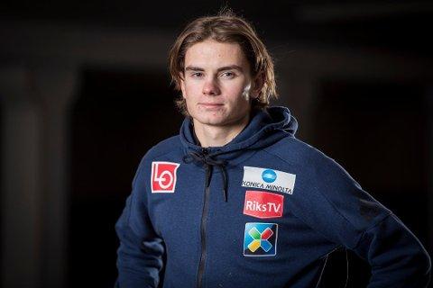 NY MEDALJE: To dager etter den individuelle gullmedaljen tok Marius Lindvik bronse i lagkonkurransen i junior-VM i sveitsiske Kandersteg.