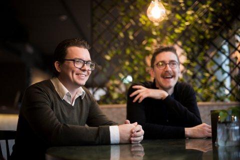 Kreative: – For mange er vi en ekstern markedsavdeling, sier Bjørkelanging, daglig leder og grunnlegger av Brainify, Johannes Hoff Holmedahl (t.v.). Til høyre tekstforfatter Pétur Níelsson.