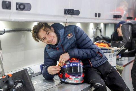 Nye tester: Dennis Hauger fra Aurskog lukter på Formel 3.