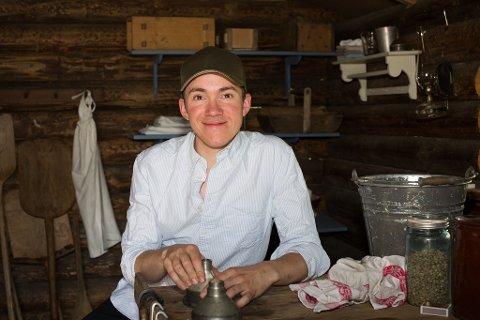 På TV-skjermen: Mandag kveld starter Farmen Kjendis på TV2, med kjendiskokk Christer Rødseth fra Aurskog som en av deltagerne. Foto: TV2
