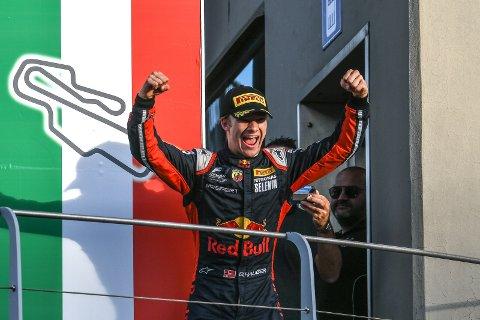 Dennis Hauger fra Aurskog er italiensk mester i Formel 4. Foto: redbullcontentpool.com