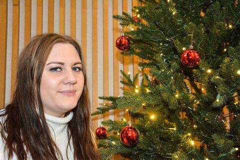 JUL: Linda Holtet gleder seg til jul sammen med familien hjemme på Bjørkelangen.