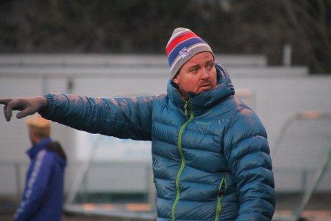 BETENKT: Blakers trener Fredrik Larsen er betenkt over pengebruken i andre klubber, men er likevel offensiv foran 2020-sesongen for Indre-distriktets beste seniorlag på herresida i 2019.