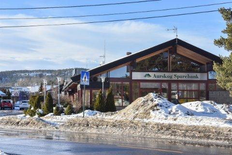 SOLGT: Aurskog Sparebank har solgt bankgården på Bjørkelangen til Bjørkelangen Sentrumsutviklig AS.