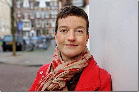 Hedda Vormeland, oppvokst i Aurskog, jobber som oversetter og vil fortelle om hvordan hun jobber i et arrangement på Bjørkelangen 13. februar.