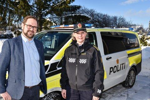 Ordfører Roger Evjen og lensmann Hilde H. Straumann i Aurskog-Høland.