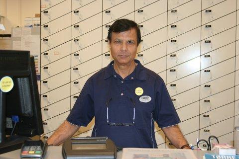 SUKSESS: Dagslig leder Hamid Mahmood tror suksessen skyldes den gode kundeservicen.