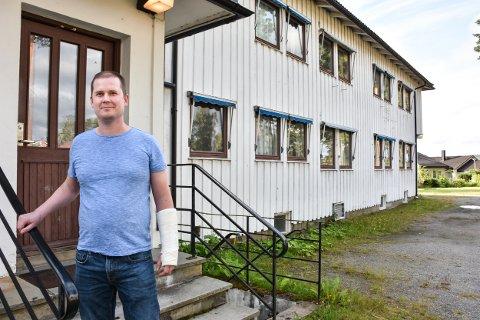 OMSORGSBOLIGER: – Denne tomta er perfekt for omsorgsboliger, mener  leder Morten Rognan i Aurskog-Høland Høyre.