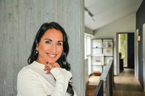Jeg hadde ikke sett for meg at jeg skulle ende opp på Rømskog, sier Målfrid Garder-Knutsson. Nå stortrives hun.