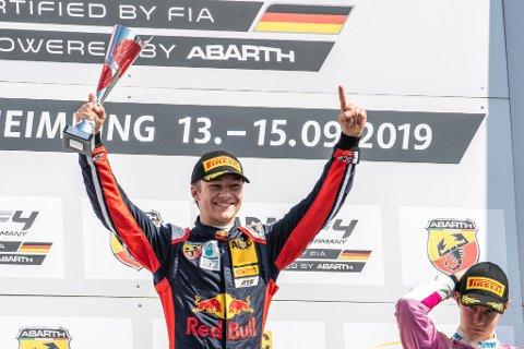 Dennis Hauger kunne juble for en sterk og viktig seier i det tyske mesterskapet igjen. (Foto: Red Bull Content Pool)