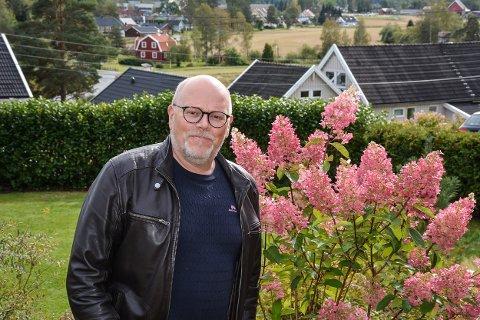 PREST I NY JOBB: Bjørn Skogstad (56) er glad for at han ble spurt om å forrette begravelsen til Finn Herlofsen.