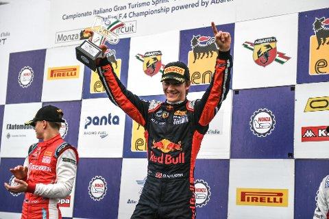 Dennis Hauger fra Aurskog knuste all motstand i Formel 4 forrige sesong. Nå tar talentet et nytt steg og er klar for Formel 3. Foto: Red Bull Content Pool