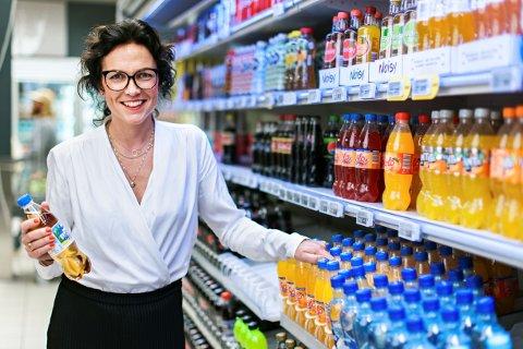 FORNØYD: – Avgiftslette på sukkerfri brus er et steg i riktig retning, sier kommunikasjonsdirektørJohanna Ellefsen Rostad i Ringnes AS.
