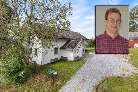 Sandem grendehus lå ute til salg for 2,75 millioner kroner. Jørgen Hellesjø i eiendomsfirmaet Hemnes Utvikling AS kjøpte Sandemskolen for 2,2 millioner.