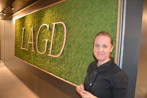 GÅR NYE VEIER: Veronje Kelly i Lagd kafé går nye veier for å nå ungdommen.