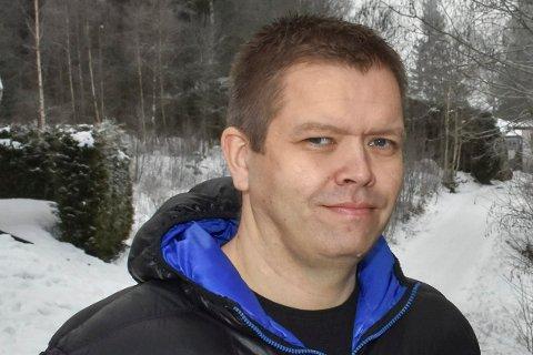Rune Skansen (KrF) leder utvalg for helse og livsmestring, som har gått enstemmig inn for å beholde tre sykehjem i Aurskog-Høland.