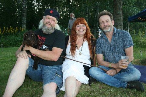 AVLYSER: Magne Hellesjø (t.v.), Kari Meyer og Per Petterson i Tellfortell-festivalen avlyser årets arrangement.