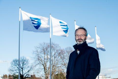 OPPHEVER: På grunn av nye nasjonale retningslinjer oppheves det midlertidige festforbudet i Lillestrøm kommune, forteller ordfører Jørgen Vik.