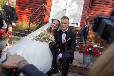 Flytter? Astrid Mangen Ingebrigtsen og ektemannen Filip kan flytte til Aurskog om noen år. Her fra drømmebryllupet i Mangen kapell for snart to år siden.