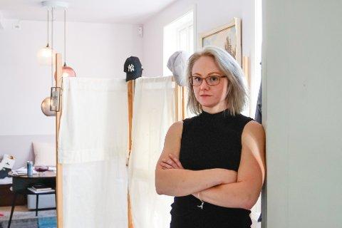Christina Annette Sandvik opplevde marerittet da hun kjøpte leilighet i et brannskadet bygg i Kristiansund.