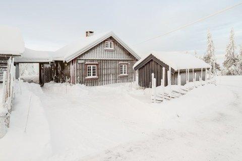 BUDKRIG: Flere ville ha denne hytta på Rømåsen, noen kilometer fra Sjusjøen sentrum. Salgssummen endte høyt over prisantydning.