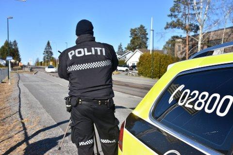 VIL KONTROLLERE MER: I Aurskog-Høland ble 800 bilister kontrollert for mobilbruk i fjor. Mange vil bli kontrollert i inneværende år også.