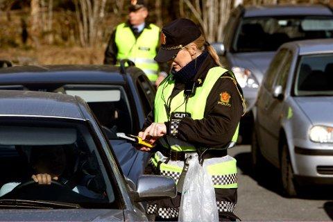 UHELDIG: Varsling av kontroller i sosiale medier kan gjøre at råkjørere, rusede trafikanter og andre kriminelle slipper unna.