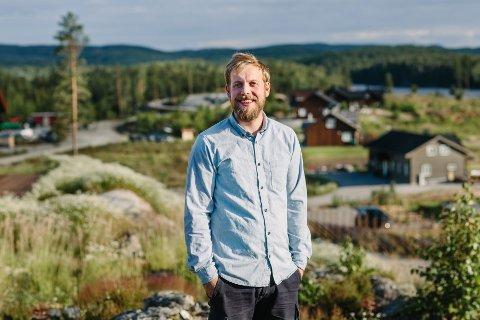Lasse Heggedal har merket økt interesse for hyttebygging i koronaåret, for aldri har Setten hyttepark opplevd så stor etterspørsel.