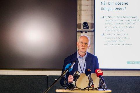 Smitteverndirektør  Geir Bukholm i Folkehelseinstituttet under pressemøte om status for koronavaksinasjon. Foto: Jil Yngland / NTB