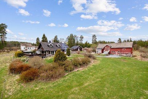 SJELDEN PÅ MARKEDET: Ulviken vei 141 ble en veldig populær eiendom på markedet, fordi det ikke er så mange av dem som selges.