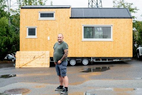 MANGE ØNSKER: – Kundene kan stort sett forme minihuset som de vil, og vi kan få til det meste, sier prosjektleder i Tinyhus AS, Peter Hansen.