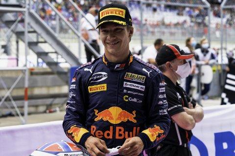 GRUNN TIL Å SMILE: En iskald og taktisk klok Dennis Hauger fikk full uttelling fra vanskelige startposisjoner i dagens to Formel 3-løp i Ungarn Grand Prix og økte ledelsen i poengsammendraget.