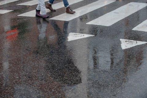 VARSLER NEDBØR: De neste dagene blir det både vått og kjølig, ifølge meteorologen.