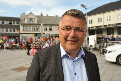 Olje- og energiminister Kjell Børge Freiberg (Frp) kommer til Sandnessjøen på mandag.